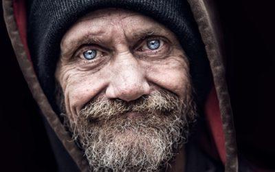 Des sans-abris retrouvent leur famille grâce à des video-messages