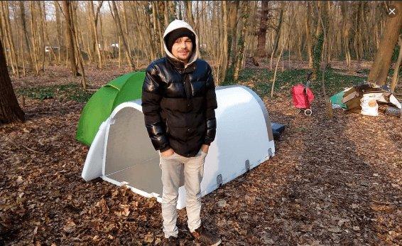 Il invente des igloos d'urgence pour des sans-abris